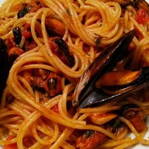 Spaghetti cu midii