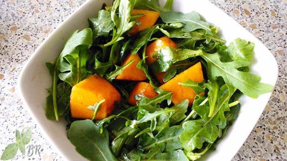 Salata dulce acrisoara cu pepene galben si rucola