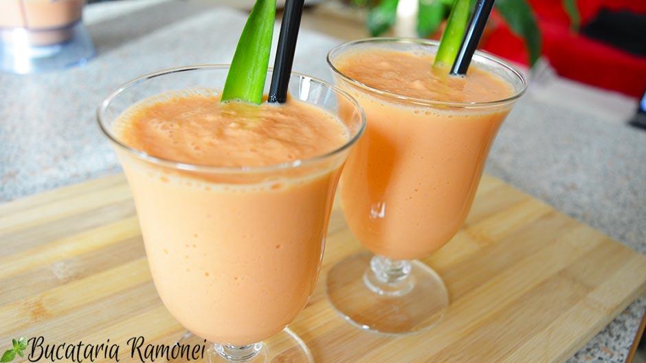 Smoothie cu morcovi si ananas