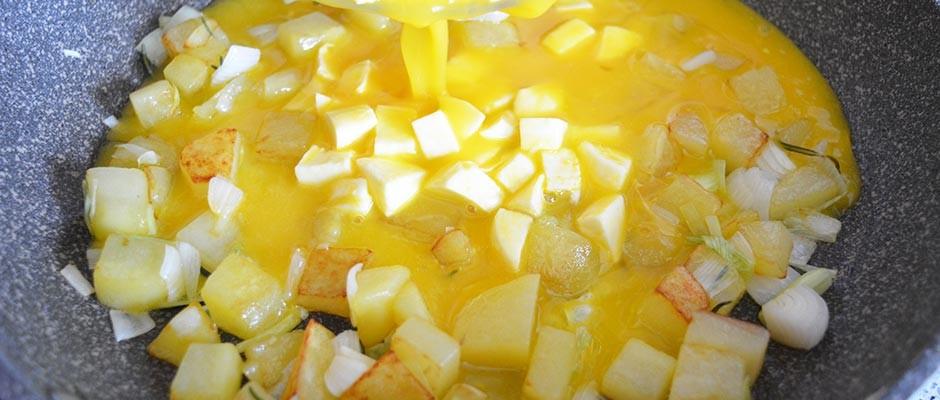 Frittata cu cartofi si mozzarella