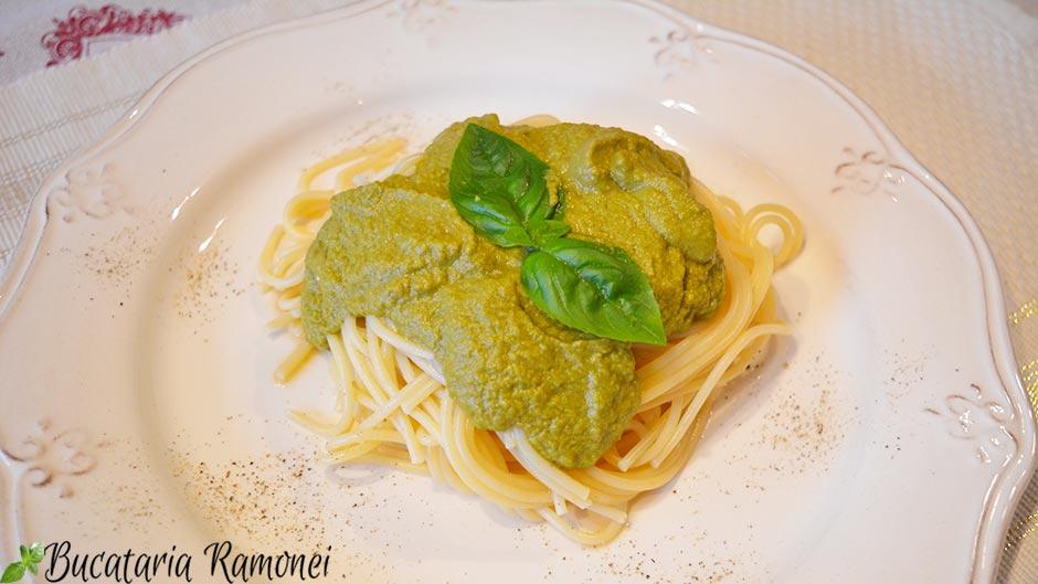 Spaghetti cu pesto alla trapanese