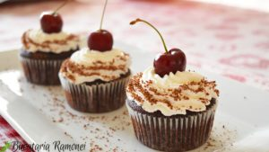 Black-Forest-cupcakes-h