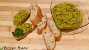 Bruschette-cu-crema-de-masline-verzi-c