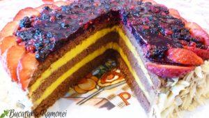 Tort-cu-fructe-de-padure-s