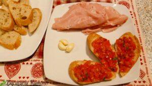 Bruschette-cu-rosii-e