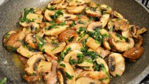 fasii-din-carne-de-vita-cu-ciuperci-j
