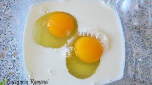 Friganele-cu-sos-de-rodie-si-iaurt-d
