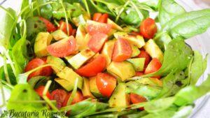 salata-de-spanac-cu-avocado-a
