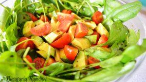 salata-de-spanac-cu-avocado-c