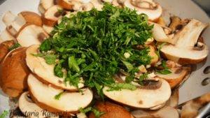 ciuperci-sotate-c