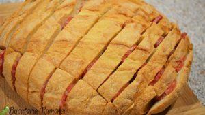 paine-impanata-cu-cascaval-si-salam-b