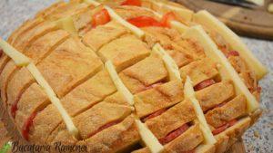 paine-impanata-cu-cascaval-si-salam-c