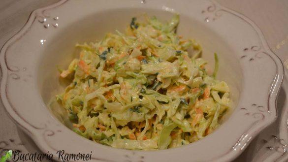 Salata de varza cu sos de iaurt