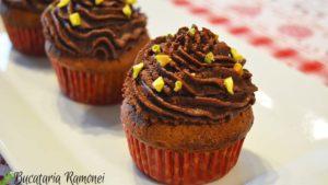 Cupcakes-cu-pere-n