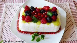 Mattonella-cu-iaurt-si-fructe-de-padure-i