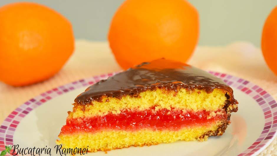 Prajitura pufoasa cu crema de portocale rosii