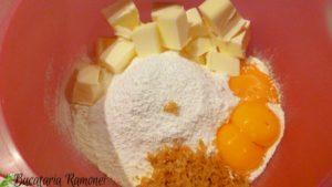 Tarta-cu-crema-de-lapte-a