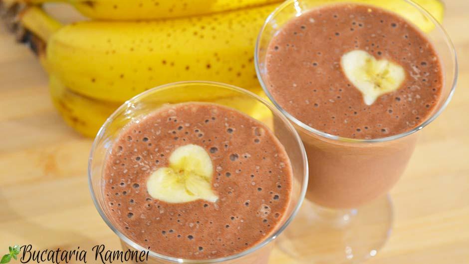 Frappe cu banane si cacao