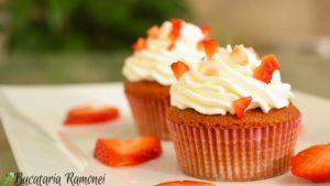 Red-velved-cupcake-l