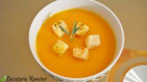 Supa-crema-de-dovleac-cu-morcovi-i
