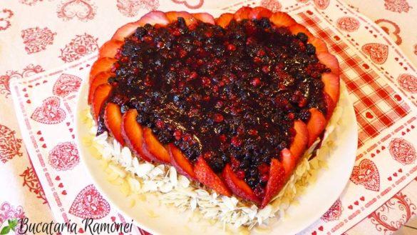 Tort cu fructe de padure