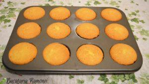 Cupcake-cu-frosting-de-branza-f