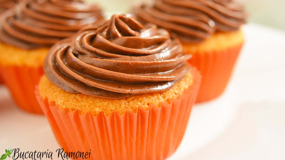 Cupcakes cu crema de mascarpone cu nutella