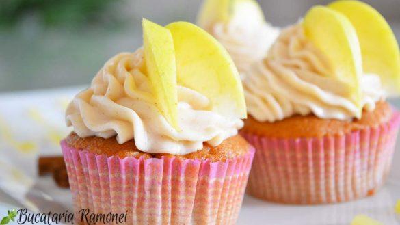 Cupcakes cu mere si scortisoara