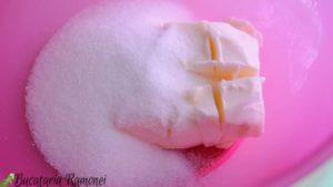 Cupcakes-cu-mere-si-scortisoara-a