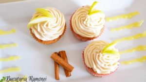 Cupcakes-cu-mere-si-scortisoara-i