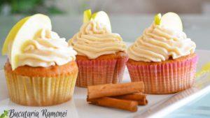 Cupcakes-cu-mere-si-scortisoara-j