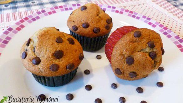 Muffin cu banane si ciocolata