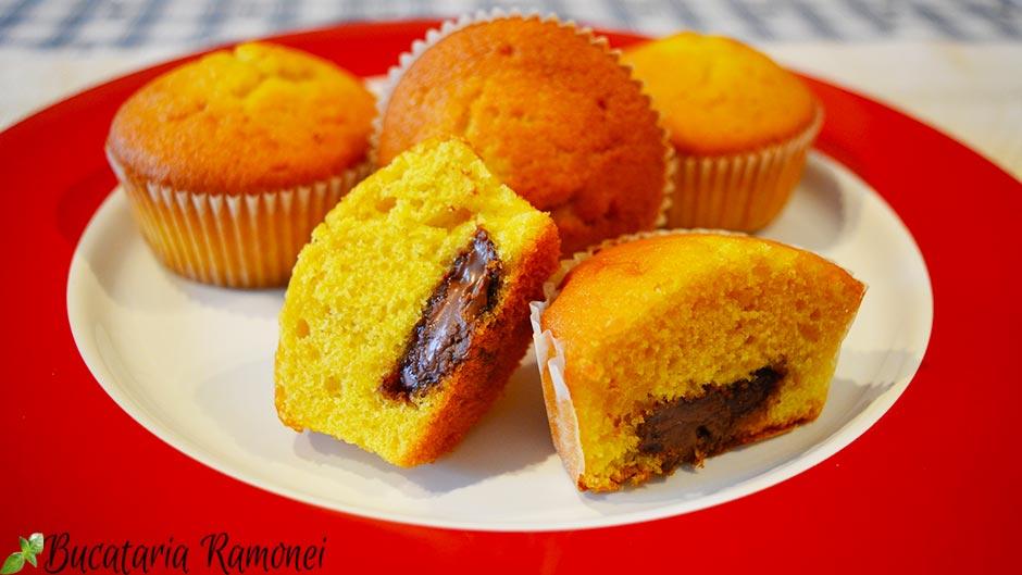 Muffin cu portocale si ciocolata tartinabila