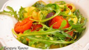 Salata-de-cartofi-rosii-rucola-si-masline-f