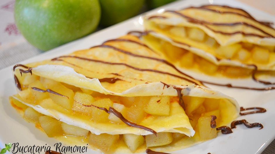 Clatite cu mere si scortisora