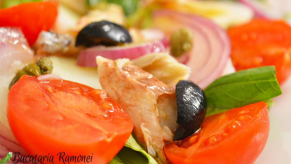 Salata pantesca cu macrou