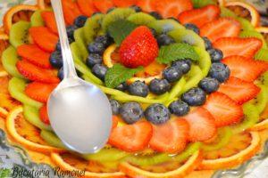 Tarta-cu-crema-de-lamaie-si-fructe-o