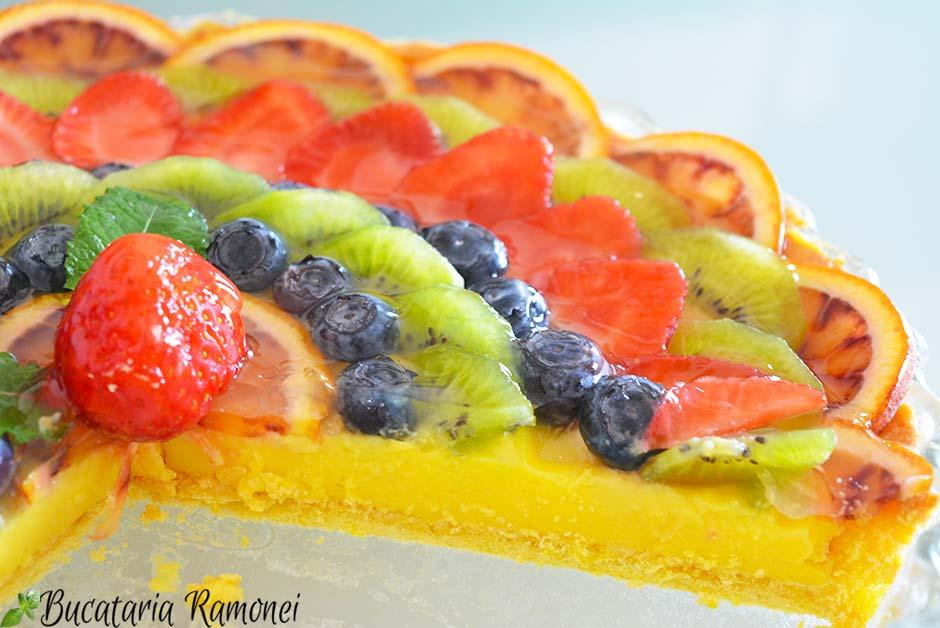 Tarta cu crema de lamaie si fructe