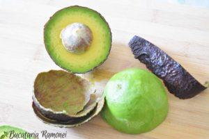 Frappe-cu-avocado-si-banane-a