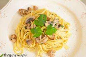 Spaghetti-cu-ciuperci-si-ton-f