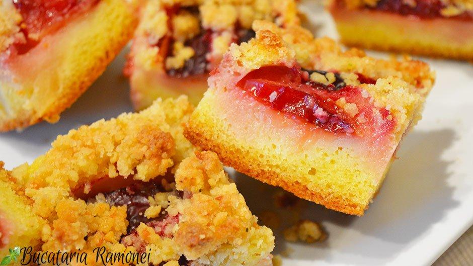 Crumb cake cu prune si pere