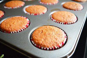Cupcakes-cu-capsuni-si-crema-de-nutella-i