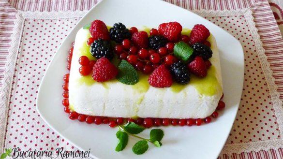 Mattonella cu iaurt si fructe de padure