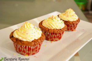 Cupcakes-cu-ciocolata-si-crema-de-mascarpone-h