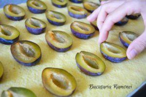 Prajitura cu prune si bezea