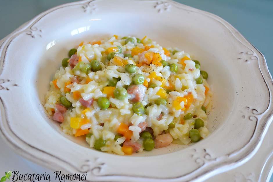 Risotto cu mazare, pancetta si morcovi