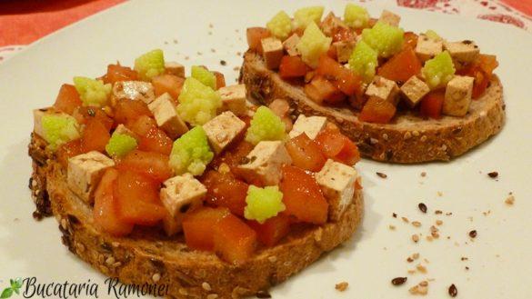 Bruschette din paine integrala si tofu