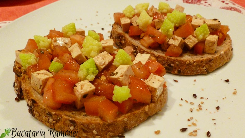 Bruschette din paine integrala si tofu