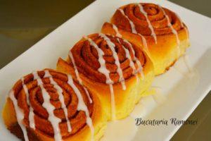 cinnamon-rolls-s