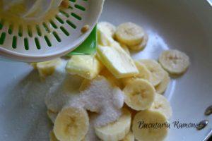 cheesecake-cu-banane-si-sos-de-afine-f